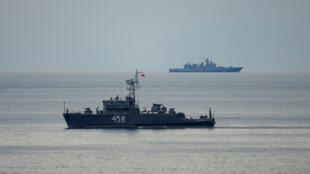 Các tàu của Nga tham gia chiến dịch tìm kiếm nạn nhân vụ rơi máy bay Tupolev trên biển Đen, ngày 26/12/2016.