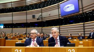 Chủ tịch Ủy Ban Châu Âu Jean-Claude Juncker và trưởng đoàn thương thuyết về Brexit của Liên Hiệp Châu Âu Michel Barnier tại Nghị Viện Châu Âu ngày 03/04/2019.