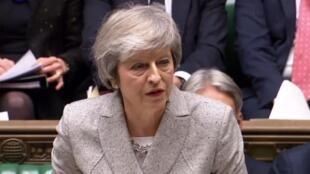 英國首相梅向會議彙報脫歐草案  2018年11月22日