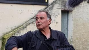 آلفرد یعقوبزاده در نمایشگاه آثارش در شهر بایو در فرانسه
