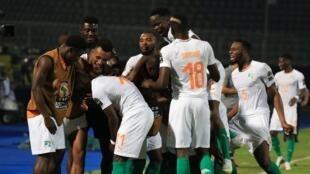 Les Ivoiriens célèbrent leur victoire 4-1 face à la Namibie, lors de la CAN 2019.