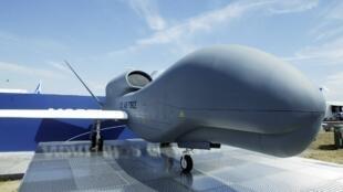 پهباد تهاجمی گلوبال هاوک RQ-4 فاصله دو بال ۴۰ متر٬ وزن ۶۸۰۰ کیلو گرم، برد پرواز بیش از ۳۲ ساعت قیمت ۱۳۱ میلیون دلار
