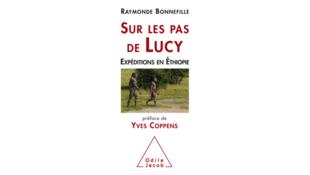 Couverture du livre «Sur les pas de Lucy», de Raymonde Bonnefille.