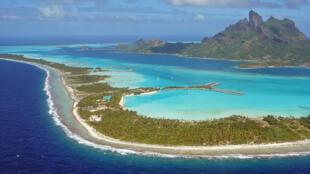 L'ïle de Bora-Bora dans l'océan Pacifique dispose de très peu de ressources en eau.