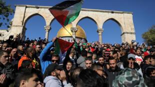 Protestos palestinos contra o reconhecimento por Donald Trump de Jerusalém como capital israelense, na sexta-feira, dia de oração na Esplanada das Mesquitas.