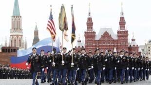 Một đơn vị quân đội Mỹ tập diễn hành trên Quảng Trường Đỏ Maxcơva ngày 06/05/2010