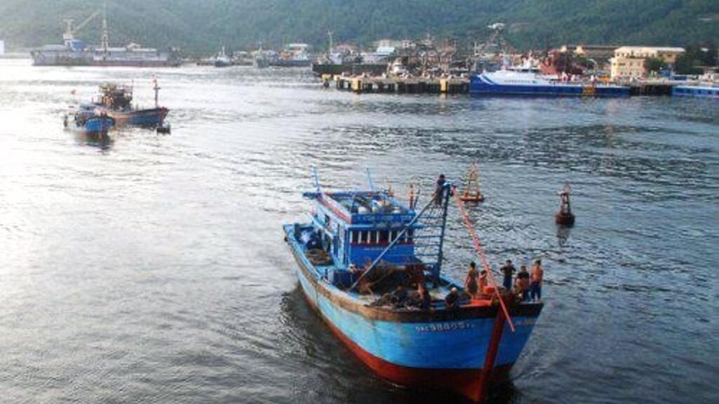 Biển Đông: Tàu Trung Quốc lại tấn công tàu cá Việt Nam ở Hoàng Sa