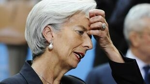 A ministra da Economia, Christine Lagarde, mantém a previsão de 2% de crescimento este ano na França..