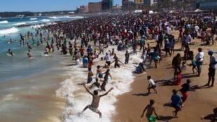 O balneário de Durban, na África do Sul, é muito procurado pelo clima agradável.