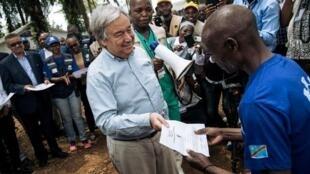 Le secrétaire général de l'ONU, Antonio Guterres a rencontré un survivant d'Ebola à Beni dans le Centre de traitement de Mangina