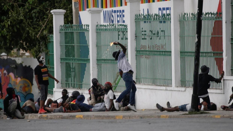 Manifestation de policiers en Haïti: le gouvernement annule le carnaval