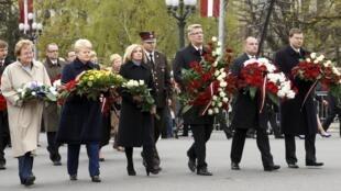 Балтийские руководители на праздновании восстановления независимости Латвии в Риге 4 мая 2010 г.