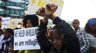 """Al menos 16.250 migrantes africanos, serán trasladados """"hacia países occidentales"""", anunció el primer ministro Benjamin Netanyahu."""