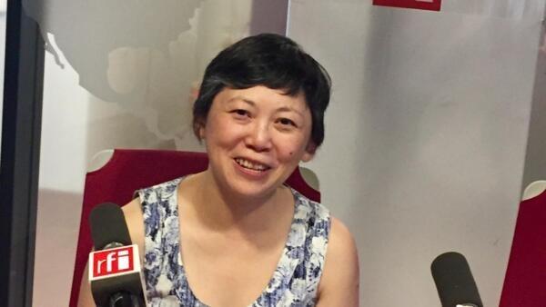 L'écrivaine sino-américaine Yiyun Li en studio à RFI (2019).