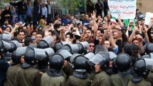 جنبشهای اعتراضیِ دامنه دار در ایرانِ پس از انقلاب