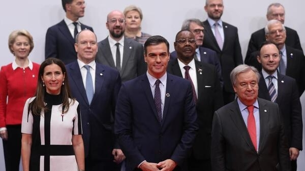 Spain's acting Prime Minister Pedro Sanchez, Chile's Minister of Environment, U.N. Secretary-General Antonio Guterres, pose with leaders for a family photo during U.N. climate change conference (COP25) in Madrid, Spain, December 2, 2019.