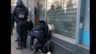 Скриншот из видео, снятого очевидцами