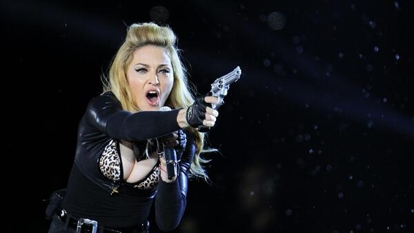 Madonna takes aim in concert