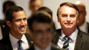 Le leader de l'opposition vénézuelienne, Juan Guaido, et  le président brésilien, Jair Bolsonaro, avant leur conférence de presse à Brasilia, le 28 février 2019.