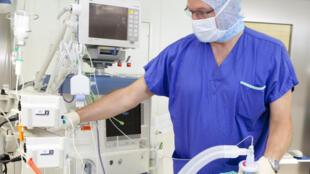 یک پزشک متخصص بیهوشی