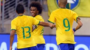 William comemora gol contra o Equador, no amistoso desta terça-feira (9), em New Jersey, nos Estados Unidos.
