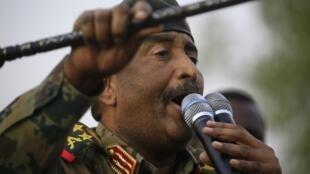 Abdel Fattah al-Burhan, numéro un du Conseil militaire de transition, qui dirige le Soudan depuis la destitution du président Omar el-Béchir, le 29 juin 2019.