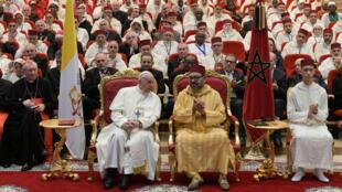 Papa Francisco e o rei Mohammed VI no Instituto de Imãs em Rabat, Marrocos 30 de março de 2019