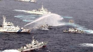 """台湾保钓船""""全家福号""""1月24日遭8艘日本舰艇水炮攻击"""