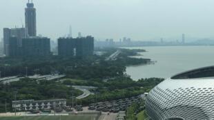 កងអាវុធហត្ថចិន នៅស្តាត Shenzhen ថ្ងៃទី ១៥ សីហា ២០១៩