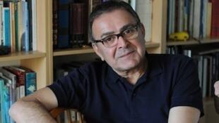 """تورج اتابکی، استاد تاریخ اجتماعی خاورمیانه و آسیای مرکزی در دانشگاه """"لیدن"""" هلند"""