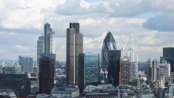 La Bourse des métaux à Londres (ou London Metal Exchange) se rapproche de plus en plus de la Chine.