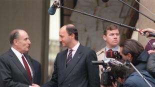 Le 20 mars 1986, Laurent Fabius quitte ses fonctions de Premier ministre après deux ans passés à la tête du gouvernement.