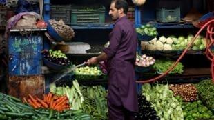 Sur un marché d'Islamabad, le 4 juillet 2019.