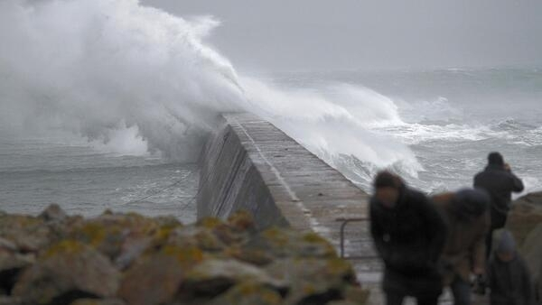 Storm Dirk hits Brittany in December