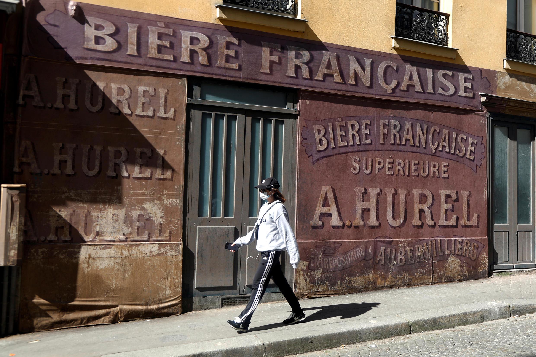 Декорации к фильму «Прощайте, господин Хоффман» на Монмартре