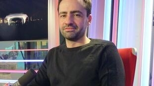 Pablo Valbuena en los estudios de RFI