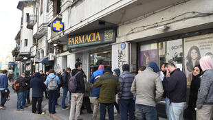 Esperando la apertura de una farmacia en Montevideo para comprar cannabis, 19 de julio de 2017.