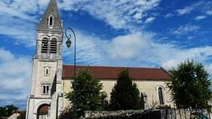 Церковь в городе Сен-Мишель-де-Дубль