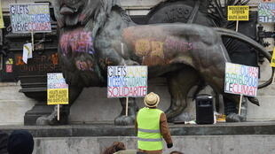 Students also pledging their support to the Yello Vest movement, Paris