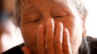 越南人Joseph Nguyen Dinh Luong的外婆擔心孫子已經命喪死亡卡車