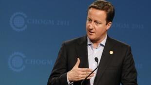 O primeiro-ministro britânico, David Cameron, participa de uma conferência de imprensa durante a cúpula do Commonwealth na Austrália.