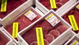 Carne de vaca vendida num hipermercado francês