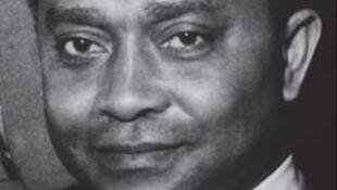 «Jacques Rabemananjara, poésie et politique à Madagascar», biographie du grand poète et politicien malgache signé Dominique Ranaivoson, coédité par Sépia et Tsipika.