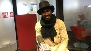 Romeu di Lurdis, cantor e compositor caboverdiano, nos estúdios da RFI.