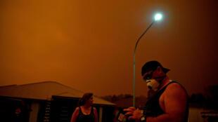 """""""Nuvens de fogo"""" pairam sobre cidades australianas, em um fenômeno que já é conhecido dos cientistas e pode estar aumentando."""