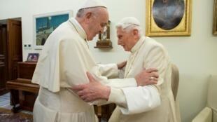 L'ancien pape Benoît appelle François à ne pas ordonner d'hommes mariés. Image d'illustration datée du 21 décembre 2018.