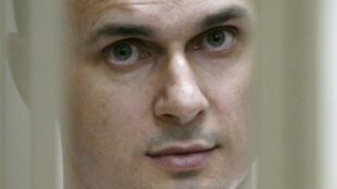Режиссер Олег Сенцов объявил бессрочную голодовку в российской тюрьме