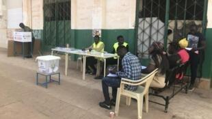 Bureau de vote lors du deuxième tour l'élection présidentielle en Guinée-Bissau, en décembre 2019.