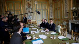 A l'ouverture de la réunion d'urgence convoquée par le président Macron à l'Elysée en raison de la crise des «gilets jaunes», ce dimanche 2 décembre 2018, à la mi-journée.