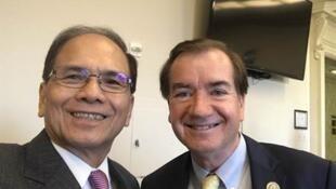 游锡堃在台湾驻美代表处与美国友人合影(2017年1月18日)